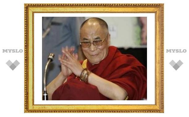 Далай-лама отправлен в больницу индийской столицы