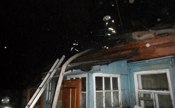В ночном пожаре на ул. Патронной пострадала женщина