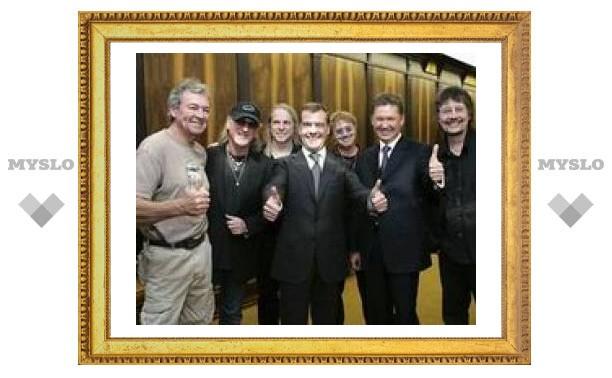"Deep Purple и Тина Тернер спели на дне рождения ""Газпрома"""