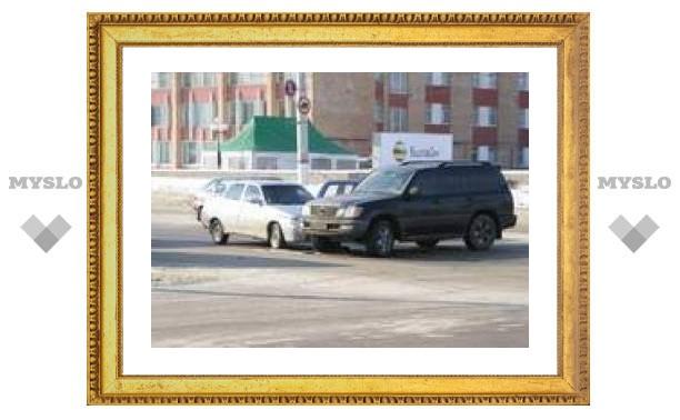 Движение по Зареченскому мосту парализовано