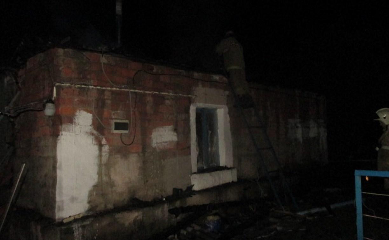 В Узловском районе частный дом тушили 8 пожарных
