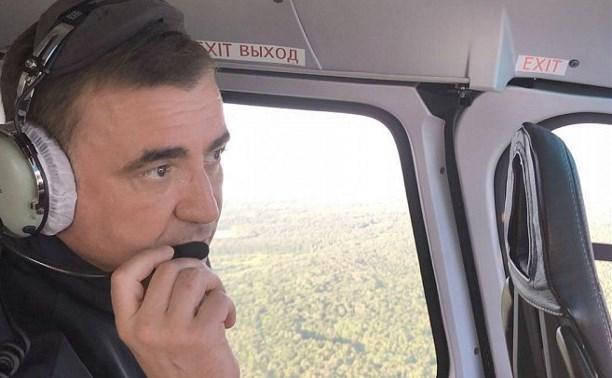 Алексей Дюмин на вертолете проинспектировал место провала грунта в Киреевском районе: видео