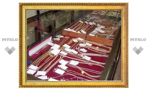 В Новомосковске обокрали ювелирный магазин