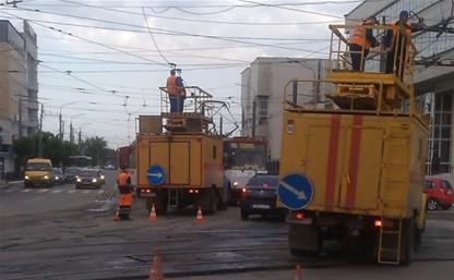 Стартовали работы по ремонту трамвайных переездов