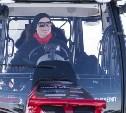 Только для мальчиков: В Туле женщину-трактористку никто не хочет брать на работу
