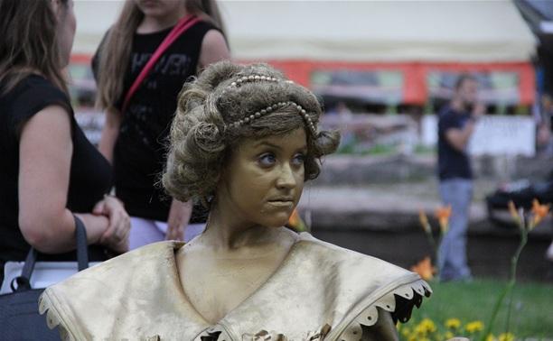 «Театральный дворик» вернется в Тулу праздничным карнавалом в честь Дня города