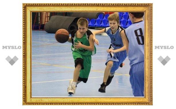 Юные тульские баскетболисты играют за выход в финал