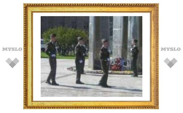 Тульские школьники несут Вахту памяти