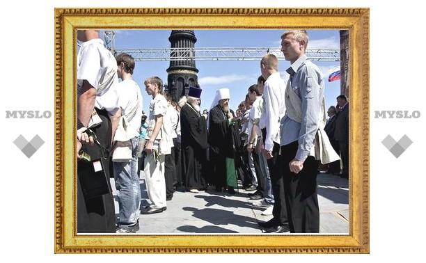 Тульских призывников проводят в армию с ратного поля России