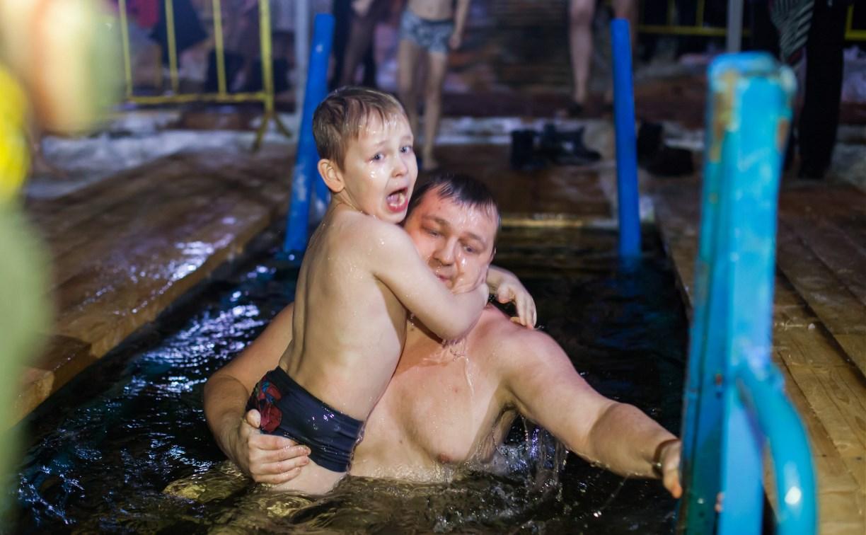 Туляки встретили Крещение и окунулись в прорубь: фоторепортаж