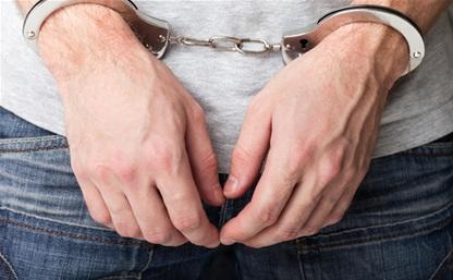 В Новомосковске мужчина пытался украсть 283 свитера