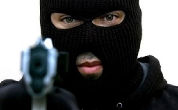 В Щекинском районе четверо неизвестных совершили вооруженное ограбленные банка и почты