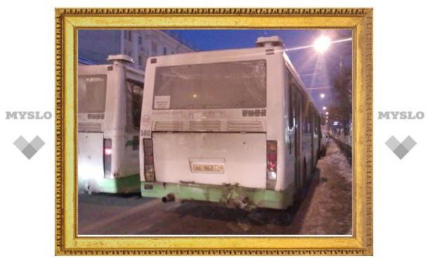 В Туле столкнулись два пассажирских автобуса
