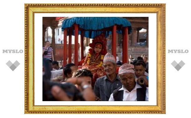 """В Непале ищут новую """"живую богиню"""""""