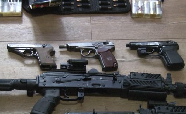 Полицейские обнаружили в Туле и Щекинском районе два склада с незаконным оружием