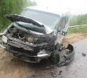 В Алексинском районе фура протаранила микроавтобус