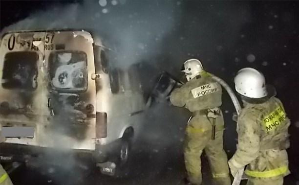 Ночью на трассе «Дон» сгорел «Форд Транзит»