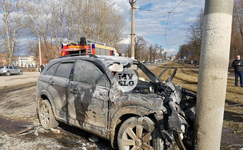 На ул. Щегловская Засека в Туле столкнулись автобус КБП и кроссовер