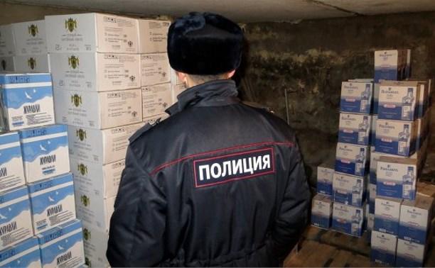 В Суворовском районе полицейские обнаружили склад контрафактного алкоголя