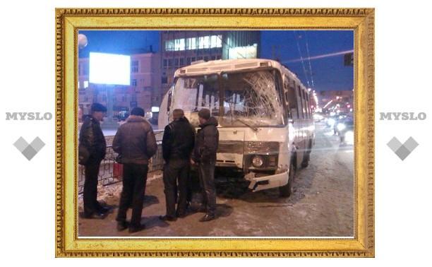 По предварительным данным, в аварии с двумя автобусами в Туле погибших нет