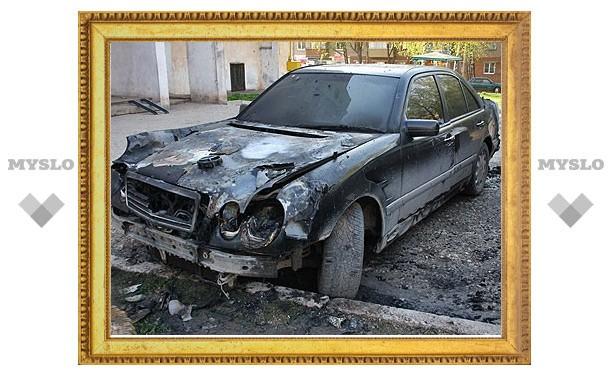 В Туле сожгли еще один Mercedes