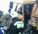 В Заокском районе КамАЗ вылетел на стоянку АЗС и врезался в грузовик