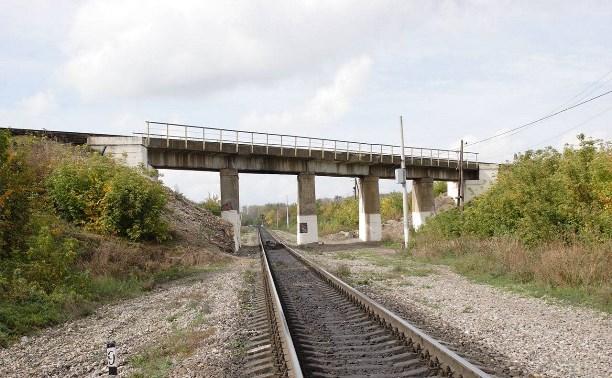 На железной дороге в Узловой завершаются ремонтные работы