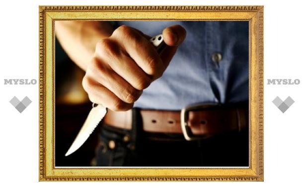 В Новомосковске пьяный отец угрожал ножом дочери