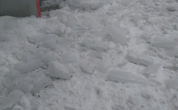 По факту падения ледяной глыбы на женщину в Киреевске возбуждено уголовное дело