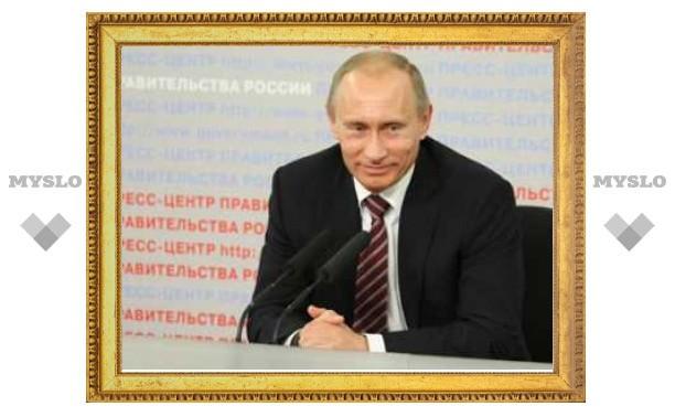 Путин пообещал сохранить и повысить зарплаты врачей