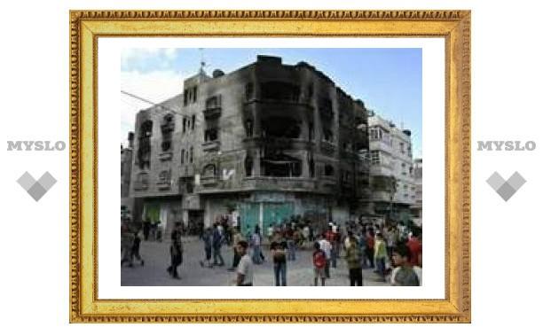 Боевики ХАМАС начали штурм штаб-квартиры ФАТХ в Газе
