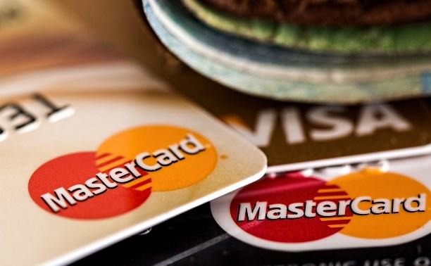 В Туле водитель маршрутки нашел в салоне банковскую карту и оплатил ею покупки в магазине