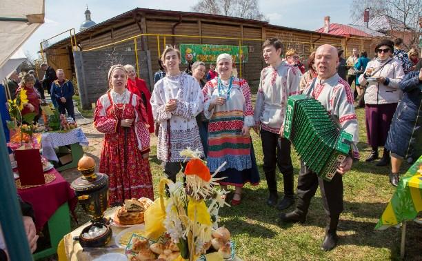 Луковый фестиваль в Епифани: 100 блюд из лука, секреты для дачников и Геннадий Малахов