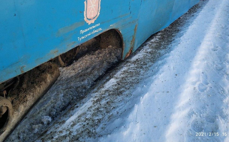 В Туле у трамвая оторвалось колесо