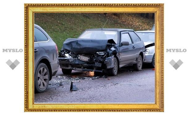 В Туле столкнулись сразу четыре машины
