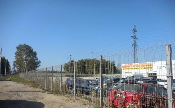 На улице Рязанской автосалон самовольно захватил 48 соток земли