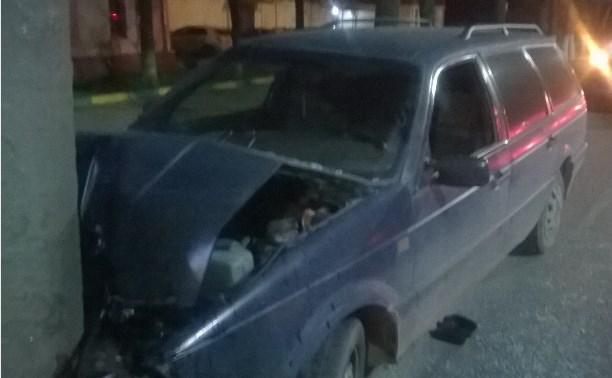 В аварии на улице Кирова в Туле пострадала девушка
