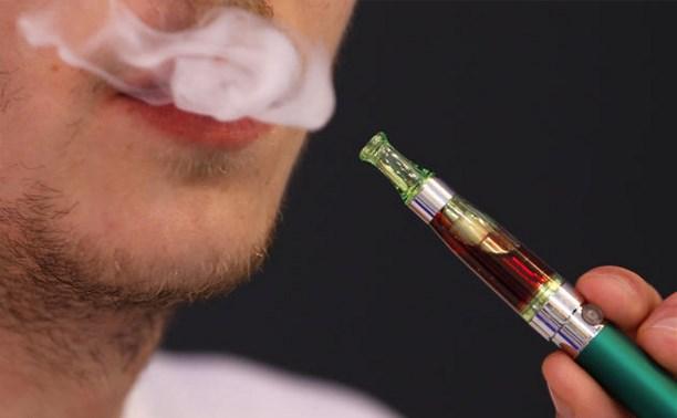 В России могут запретить курение электронных сигарет в общественных местах