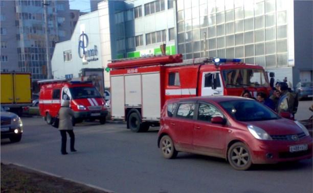 """У ТЦ  """"Фролов"""" сбили пешехода"""