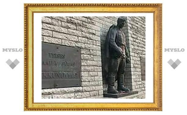 Бронзовый солдат будет вновь выставлен в Таллине к 9 мая