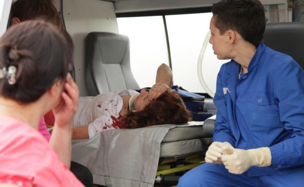 """На трассе """"Крым"""" иномарка сбила пешехода и врезалась в фуру"""