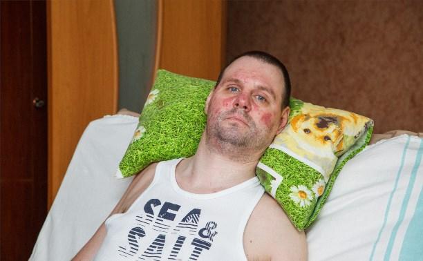 40-летний парализованный мужчина остался один в своей квартире