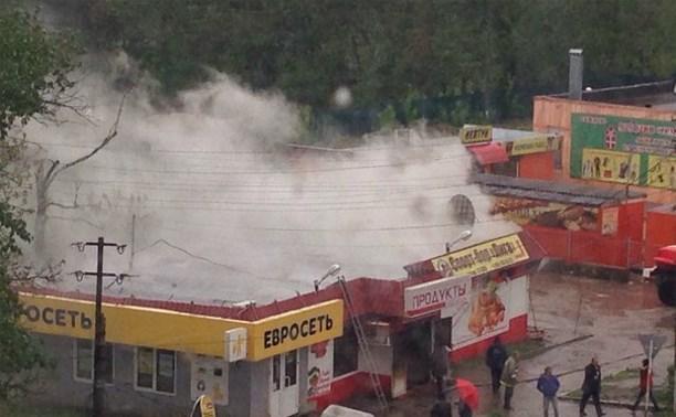 В Ясногорске недалеко от автостанции сгорел продуктовый магазин