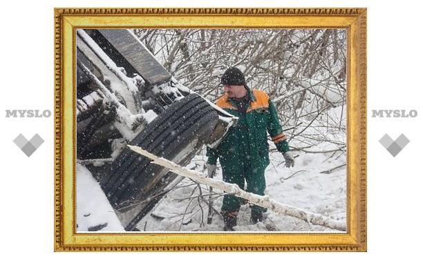 Под Тулой произошла крупная авария с участием большегруза