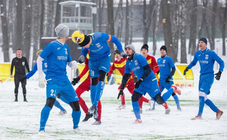 В Тульской области стартовало зимнее первенство по футболу: фоторепортаж