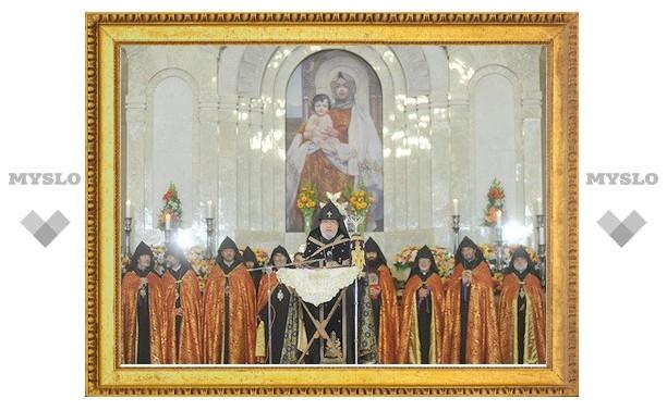 В Ереване помолились о погибших в Японии