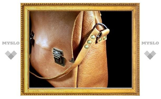 Под Тулой пьяный мужчина украл из магазина женскую сумку