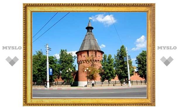 Реставраторы обновляют башни кремля