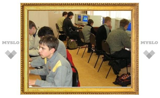 Белорусские школьники вместо учебников получат электронные планшеты