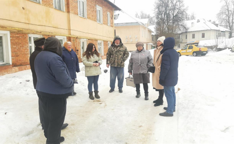 В Кимовске несколько семей живут в аварийном доме